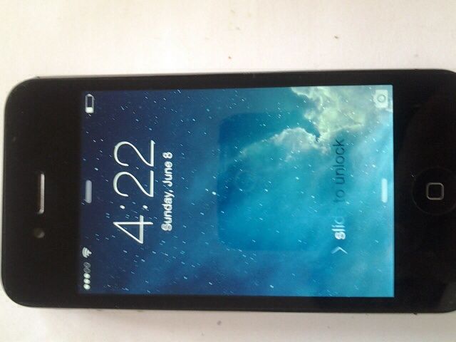 Used bery good Iphone 4 8gb (verizon)